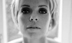 Petra Marklund: 'Händerna Mot Himlen' (review)