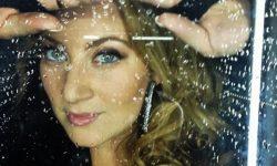 Sarah Dawn Finer: 'Balladen Om Ett Brustet Hjärta'