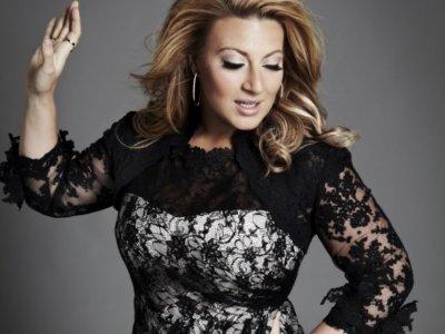Sarah Dawn Finer covers Avicii's 'Wake Me Up'!