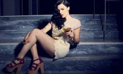 Vanessa Falk: 'Hurt'