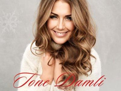 ALBUM: Tone Damli – 'Di Første Jul'
