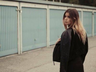 SONG: LÉON – 'Nobody Cares'