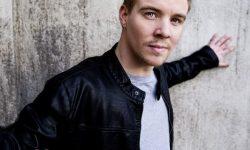 INTRODUCING: Henrik Lundholm – 'Stranger'