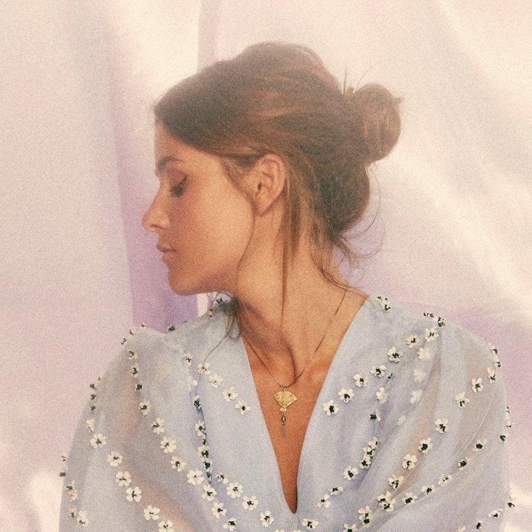SONG: LÉON – 'Falling'