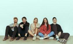 SONG: estraden & Molly Sandén – 'Smartare'